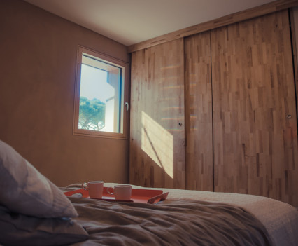 Chambre—©Clickandwatch_pour_ENSAG-INES-GAIA